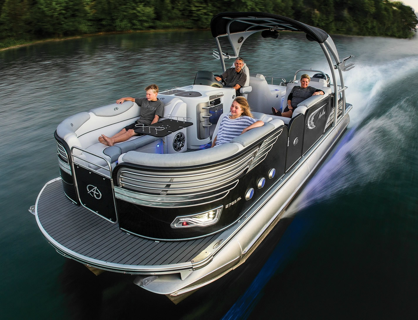 avalon-ambassador-rear-lounge-27-pontoon-boat